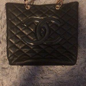 Chanel tote purse
